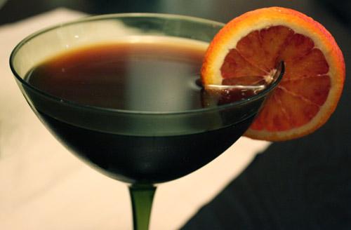 savvyhousekeeping midnight martini halloween cocktail