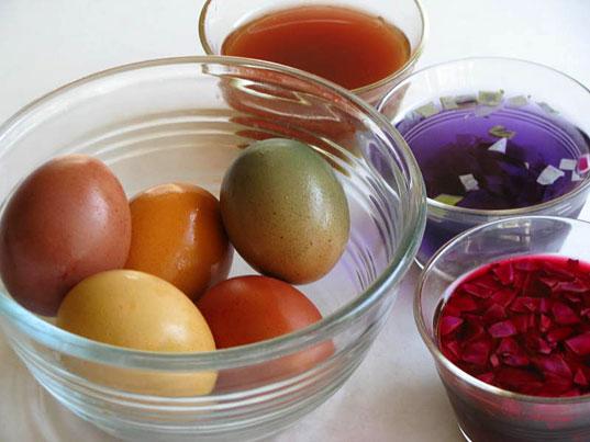 savvyhousekeeping easter egg dye dying natural