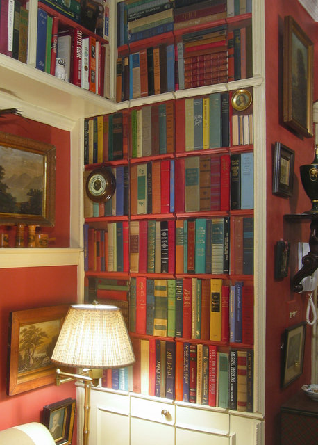 savvyhousekeeping secret bookcase door