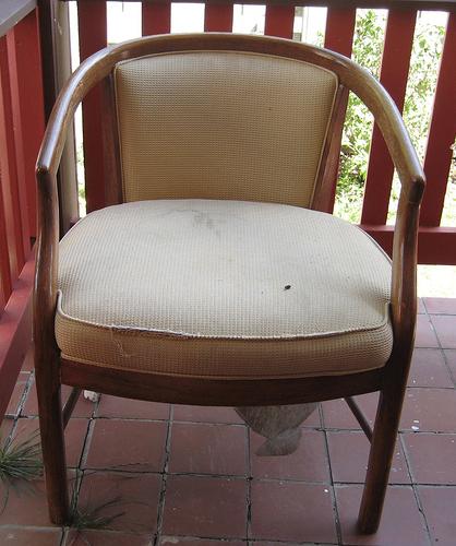 savvyhousekeeping chair before