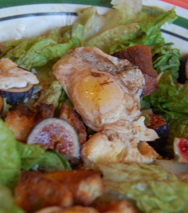 savvyhousekeeping bistro salad quail eggs