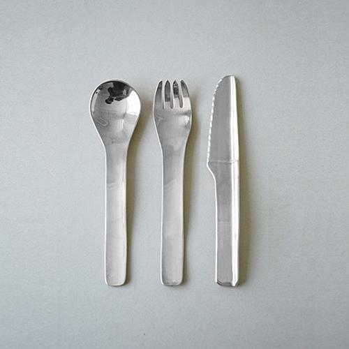 savvyhousekeeping plastic bottles to cutlery