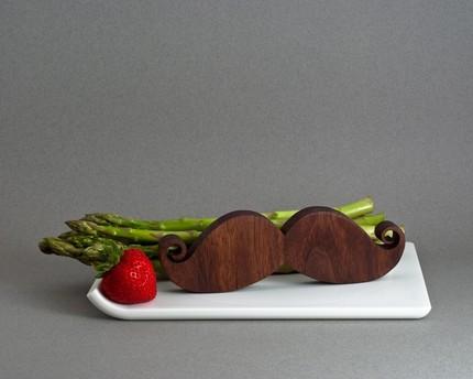 savvyhousekeeping mustache salt pepper