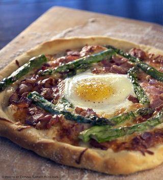 savvyhousekeeping egg pizza