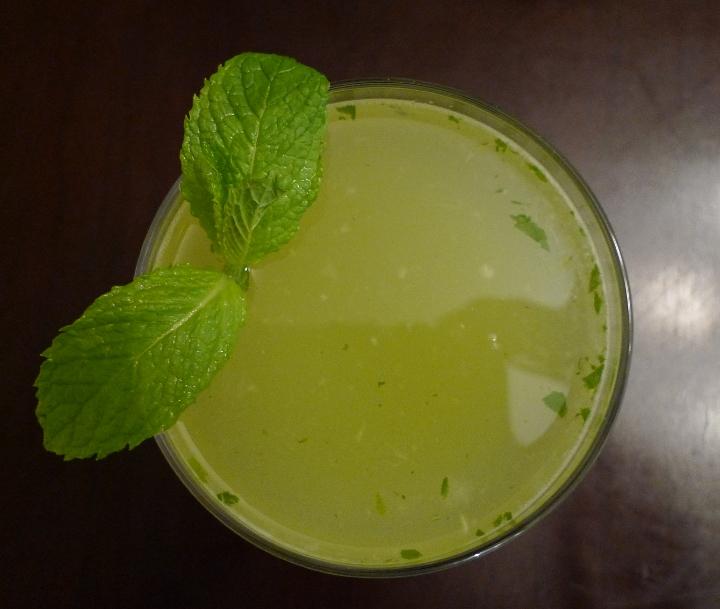 savvyhousekeeping green cocktail st patrick's day irish spring gin celery mint lime