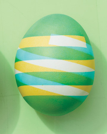 savvyhousekeeping electrical tape easter egg dye dying
