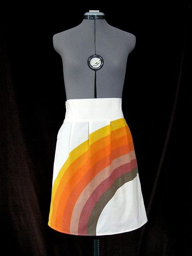 savvyhousekeeping skirt from 1970s pillowcase
