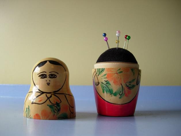 savvyhousekeeping make pin cushion from nesting doll
