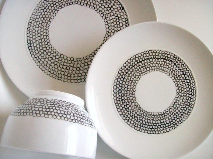 savvyhousekeeping change revamp china dishes using porcelain paint pen