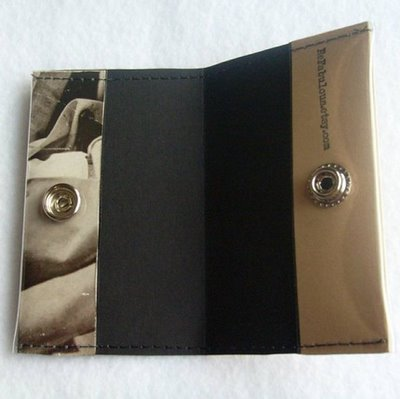 savvyhousekeeping make your own wallet from a paperback book
