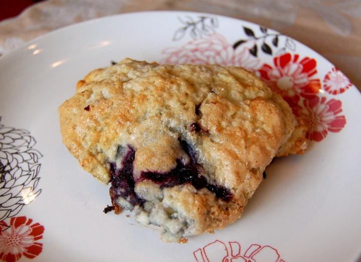 savvyhousekeeping recipe scones fruit blackberry