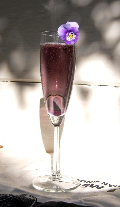 savvyhousekeeping champagne cocktails round-up valentine's day