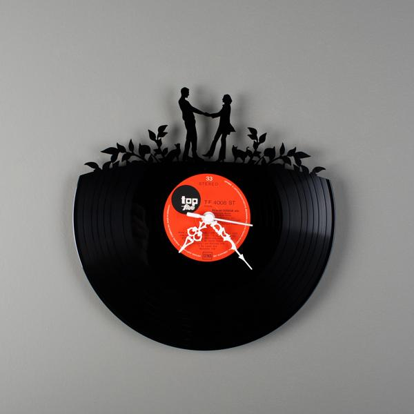 savvyhousekeeping turning recycling old vinyle records to wall clocks what to do with