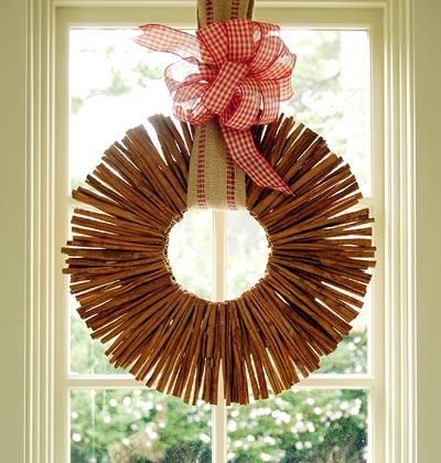 savvyhousekeeping diy make your own how-tos christmas wreaths lovely elegant cool unusual cinnamon sticks
