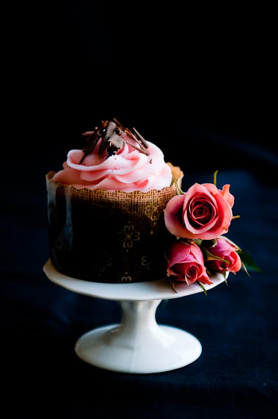 savvyhousekeeping chocolate espresso cake rose cream cheese cupcakes frosting valentine's day