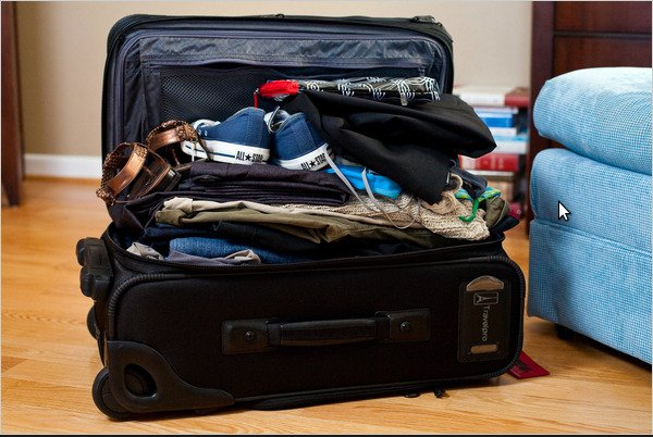 savvyhousekeeping how to pack get 10 days worth of clothes into a carry-on suitcase