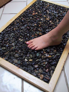 savvyhousekeeping how to make your own stone bath mat
