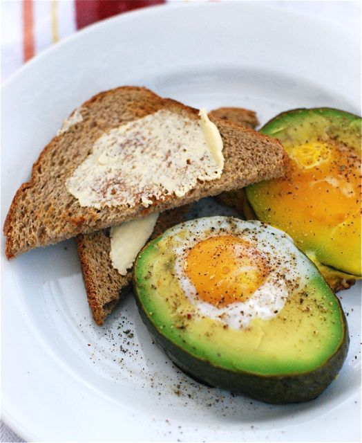 savvyhousekeeping 10 Christmas breakfasts baked eggs avocado
