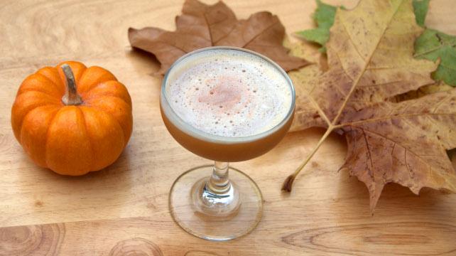 savvyhousekeeping fall cocktails pumpkin flip