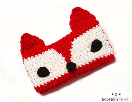 savvyhousekeeping 10 DIY Christmas Presents fox iPhone crochet