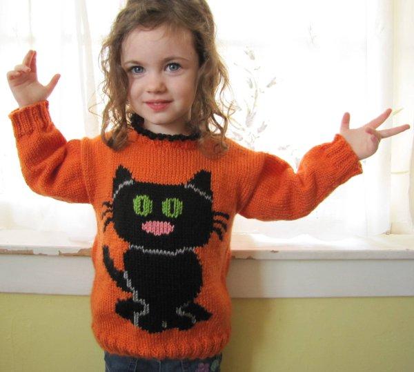 Savvyhousekeeping free knitting knit crochet pattern  kid's children's cat sweater