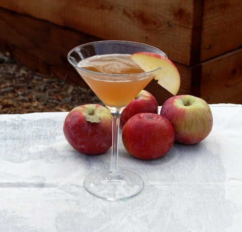 savvyhousekeeping apple brown bourbon fall cocktails