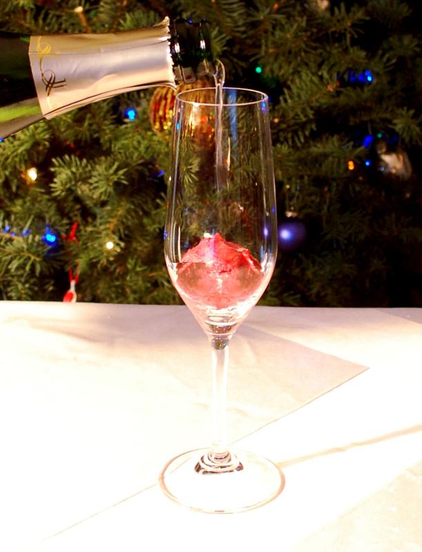 savvyhousekeeping holiday cheer cocktail