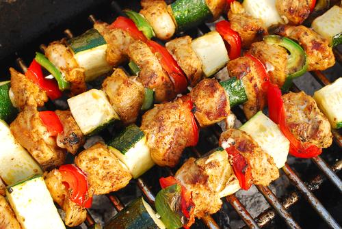 082813-chicken-pepper-zucchini-kebab